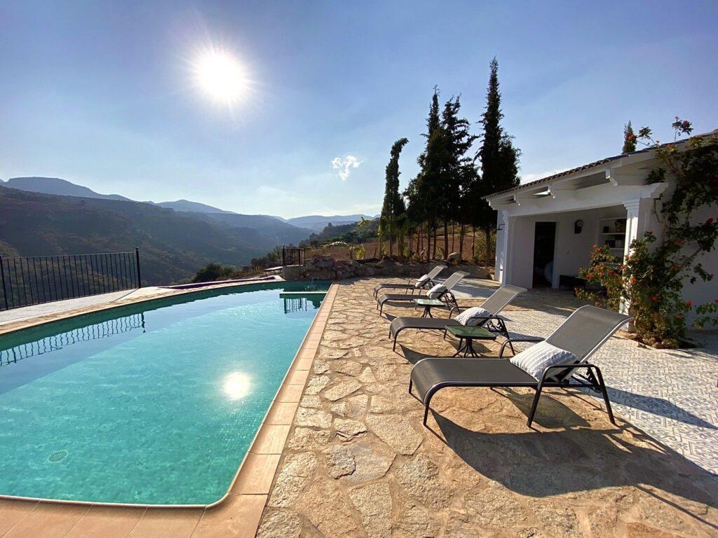 Swimming pool of La Esperanza Granada